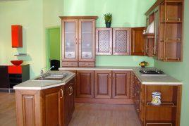 Tủ bếp chữ U đẹp làm từ gỗ xoan đào năm 2020